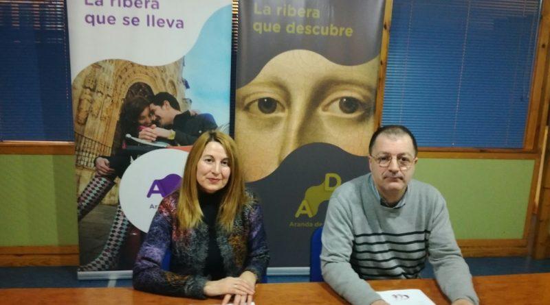 La concejala arandina y el presidente de ASAR durante la presentación del concurso (FILEminimizer)