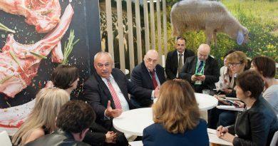 Presentación Meet the Lamb en Milán