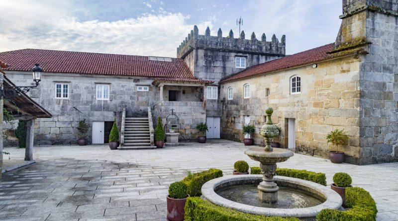 Blanco Granito 2019 del Pazo Torre Penelas, primer vino fermentado y criado en granito gallego